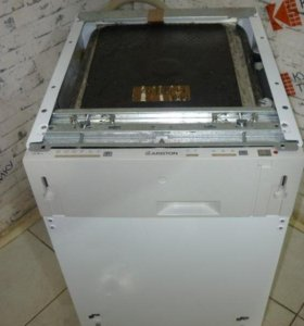 Продаю посудомоечную машину Аристон