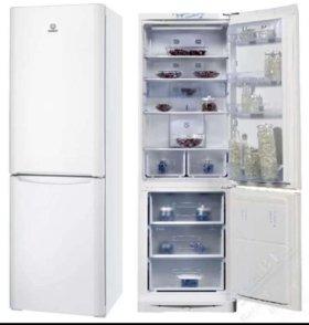 Холодильник Indesit BIA18 2015г