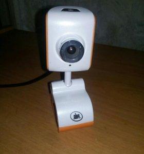 Веб-камера и микрофон.