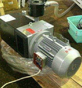 Вакуумный насос роторно-пластинчатый 5,5 кВт