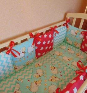 Бортикий подушки в кроватку