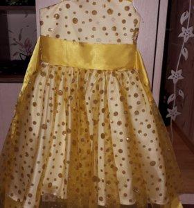 Нарядное платье на 6-8 лет