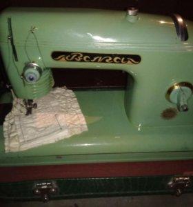 Швейная машина Волга