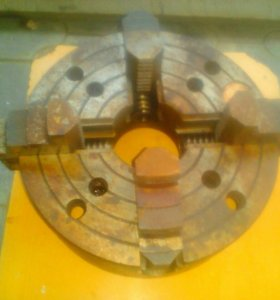Потрон токарный 4 кулачковый