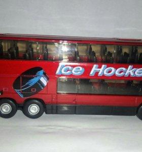 Модель Автобус