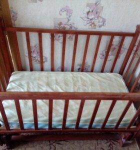 Детская кровать.качалка