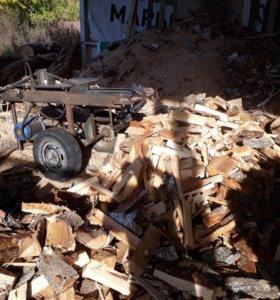 Рабочие в цех деревообработки
