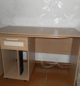 Стол письменный (трансформируется в компьютерный)