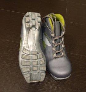 Лыжные ботинки (34)