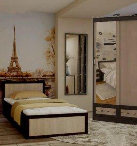 Кровать + шкаф от тхм