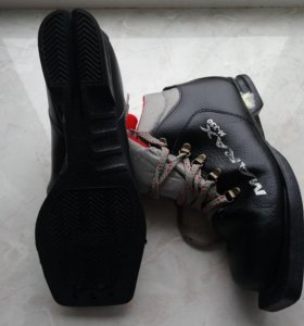 Ботинки лыжные кожаные мальч.