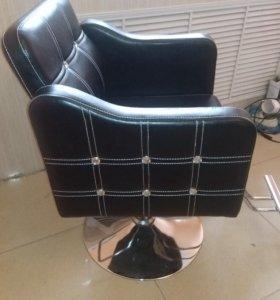 Кресло парикмахерское новое