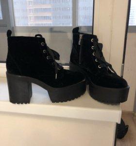 Новые ботинки pullandbear
