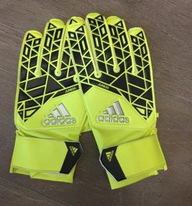 Футбольные перчатки Adidas