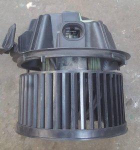 Мотор печки Рено Дастер