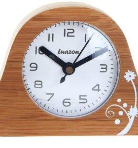 Новые настольные часы на подставке