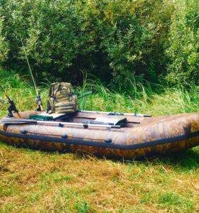 Надувная лодка из ПВХ