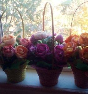 Букет цветов в корзинках