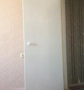 Дверь межкомнатная 2 штуки (цена в описании)