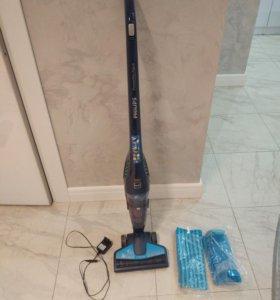 Вертикальный моющий пылесос Philips FC6400/01