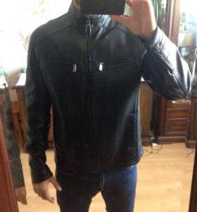 5f5f50b74b6 Мужские кожаные и джинсовые куртки