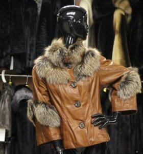 куртка из натуральной кожи с мехом лисы