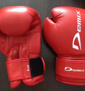Детские боксерские перчатки Demix 6-oz