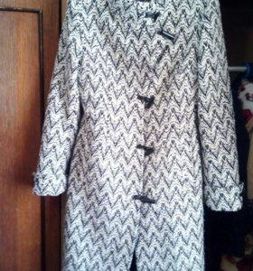 Пальто осенние размер 42-44 женское