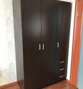 Шкаф 3-х дверный с ящиками
