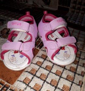 Обувь 6 пар пакетом на девочку
