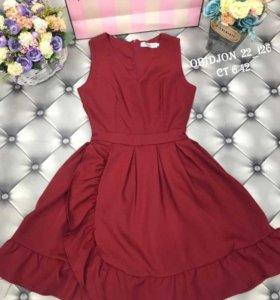 Платье бордо р. 42-44 новое