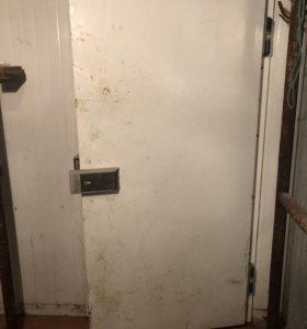 Дверь для холодильной или морозильной камеры