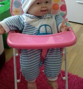Прекрасный стульчик для куклы.