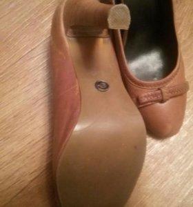 Продам кожаные туфли б/у в отличном состоянии.