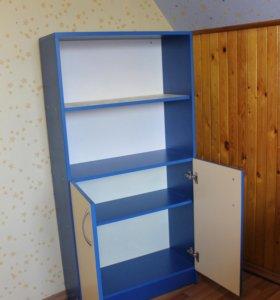 Комплект мебели (шкаф, зеркало)