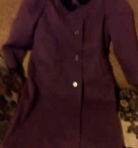 Пальто зимнее, воротник норка, размер48 ,цена 300