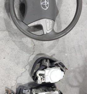 Руль и ремни безопастности