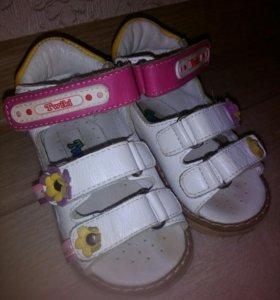 Детские ортопедические сандалии, на первые шаги