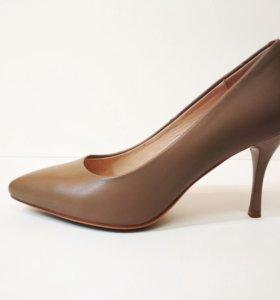 Туфли-лодочки. Бежевые. Новые