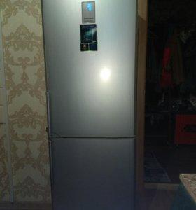Холодильник Samsung RL34
