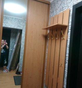 Двери и направляющие от шкафа в прихожей