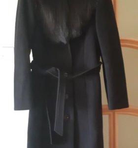 Пальто,осеннее.