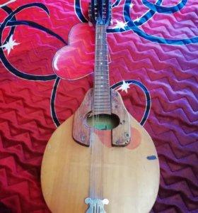 Гитара мандолина