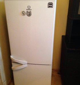 Холодильник Indezit