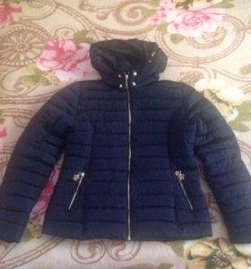 Куртка темно- синего цвета на 46-48 размер .