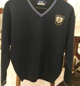 Стильный свитер для школы