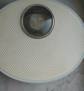 Весы напольные железные Scarlett England до 120 кг