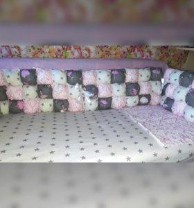Бомбон-бортики и комплект в кроватку