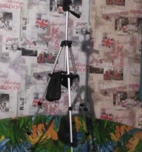 Трех ножка для фотоаппарата