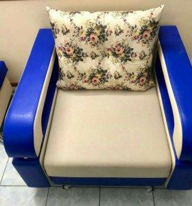 Раскладное кресло с пуфом. Новое